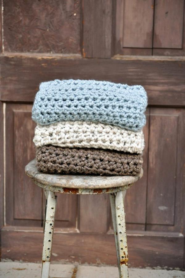 couvertures-tricotées-pour-lit-fauteuil