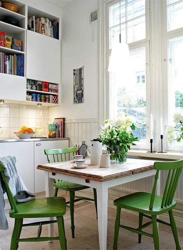 cuisine-blanc-chaises-verts