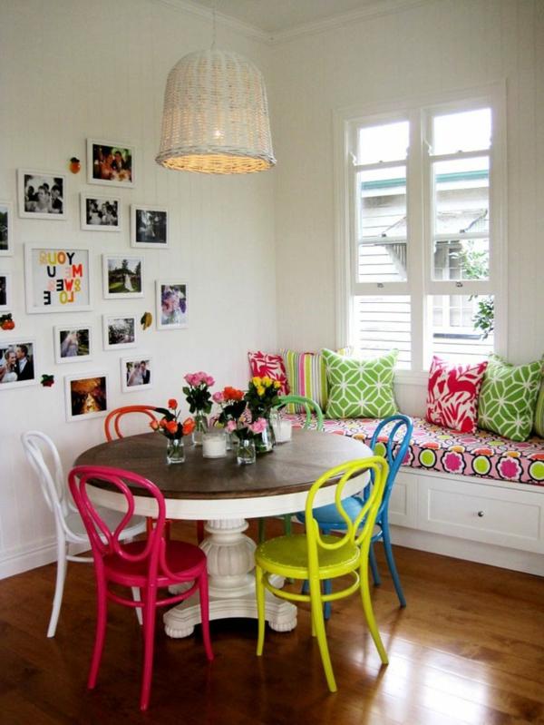 cuisine-moderne-chaises-colorés