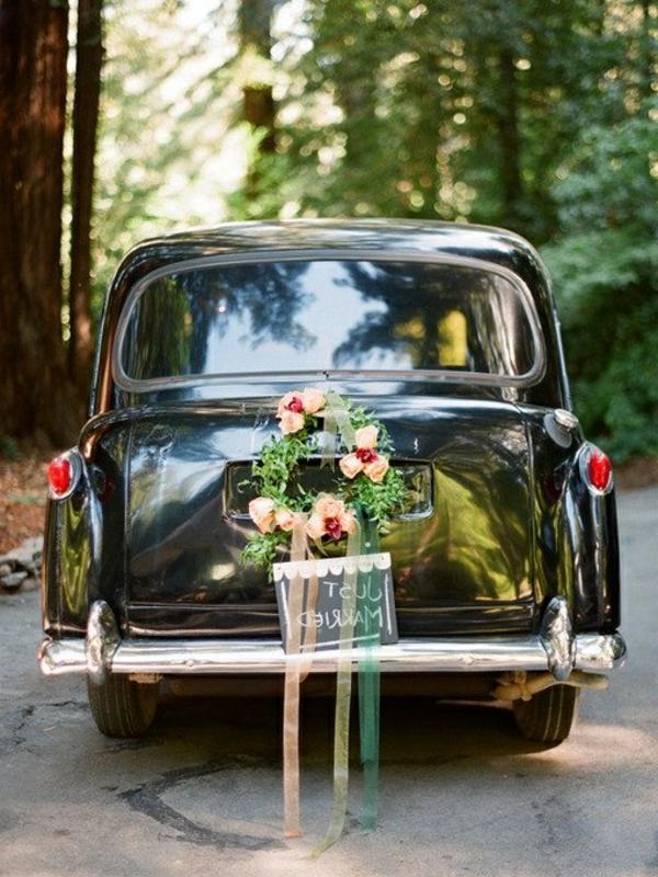 décoration-florale-voiture-mariage