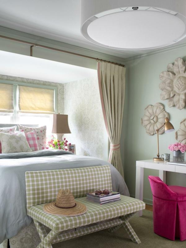 décoration-jolie-chambre-lit-canapé-arbre-printemps
