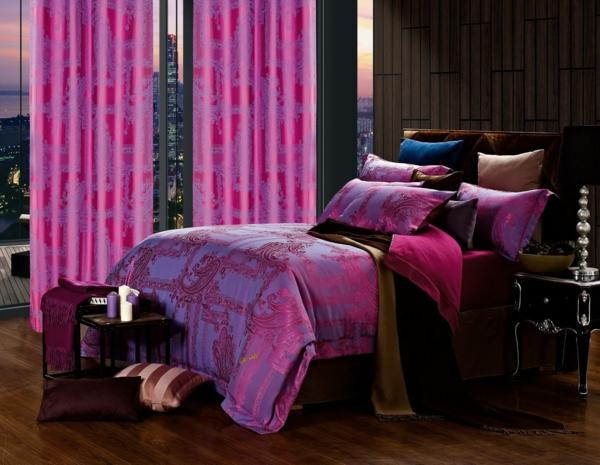 décoration-orientale-chambre-à-coucher-pourpre