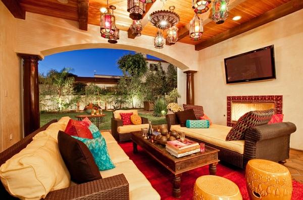 décoration-orientale-plusieurs-lanternes-marocains