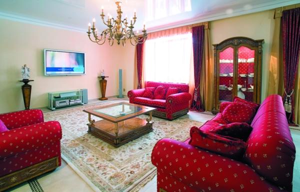 décoration-orientale-sofas-vintages-plafonnier-style-moyen-âge