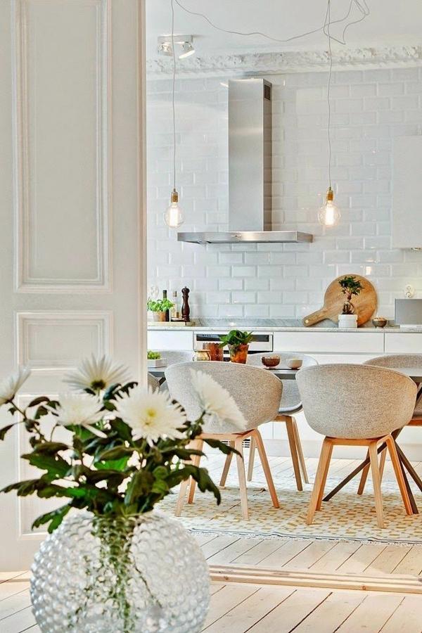 décoration-scandinave-cuisine-brillante-blanche