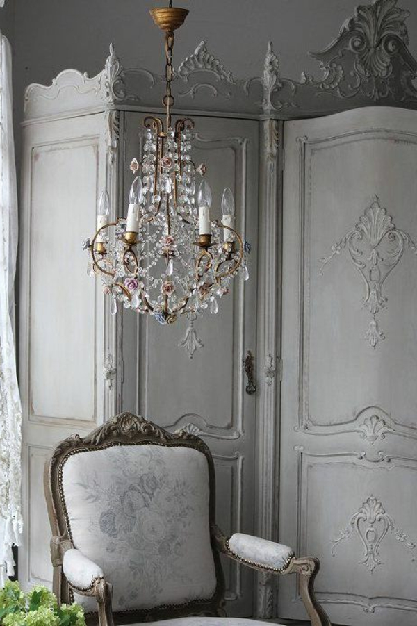 Comment adopter le lustre baroque dans l 39 int rieur de for Interieur baroque