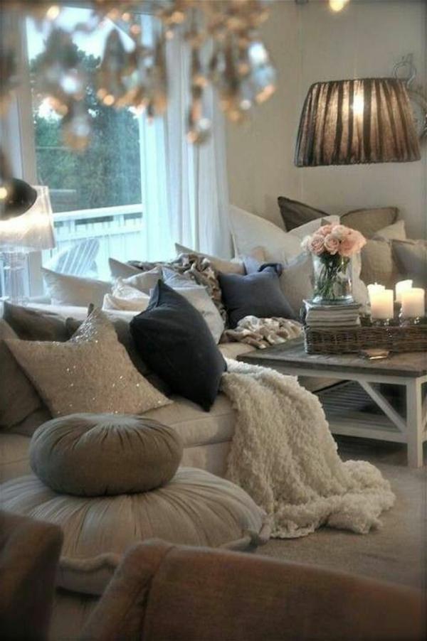 dans-un-salon-les-meubles-la-décoration-des-fleurs