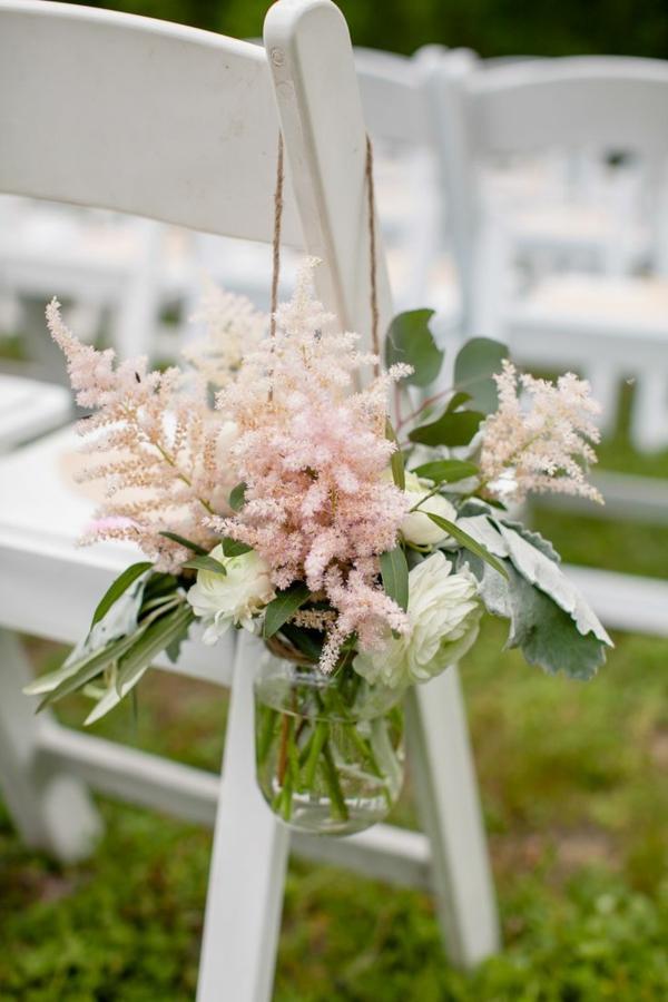 deco-avec-fleur-bouquet-chaise