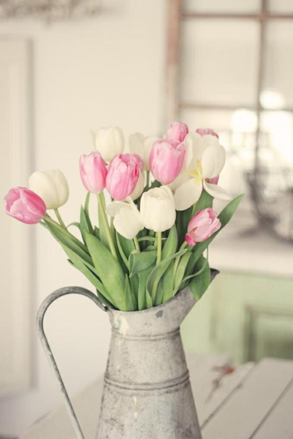 des-tulipes-rose-et-blanc-ambiance-princesse