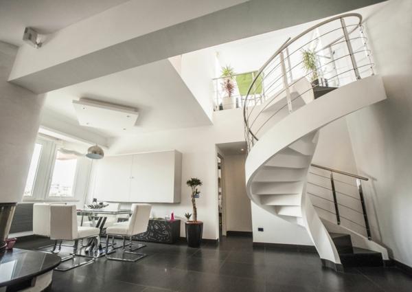 escalier-colimaçon-lateral-appartement-graduation-plants