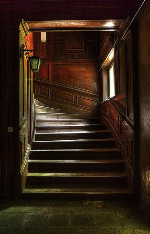 escalier-en-bois-gothique
