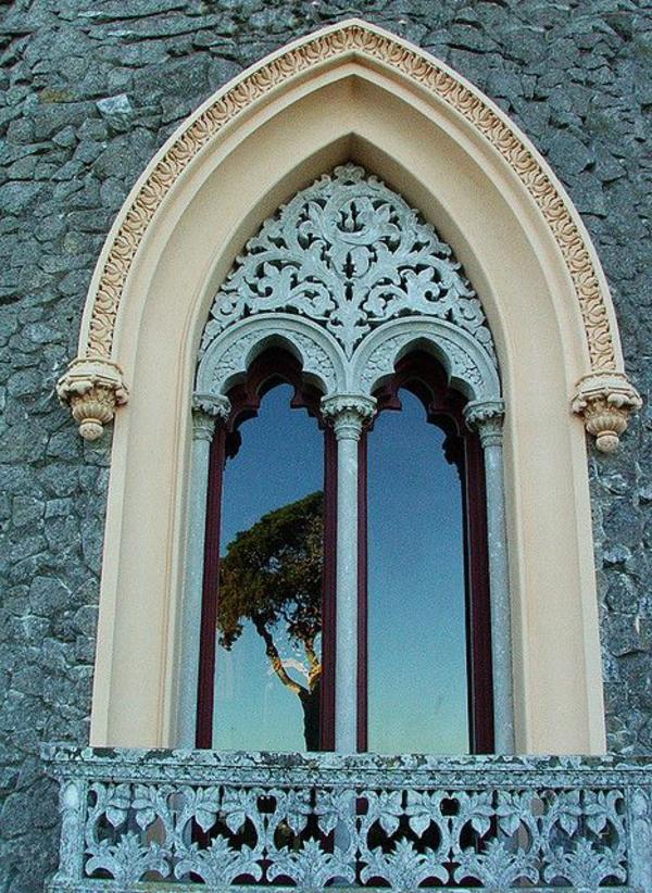 fenetre-en-style-gothique