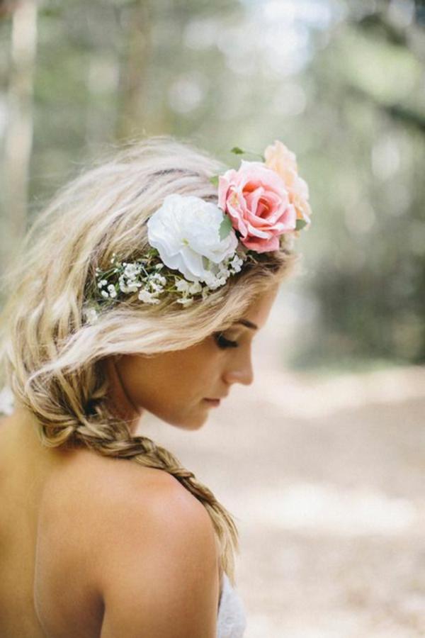 fille-blonde-cheveux-couronne