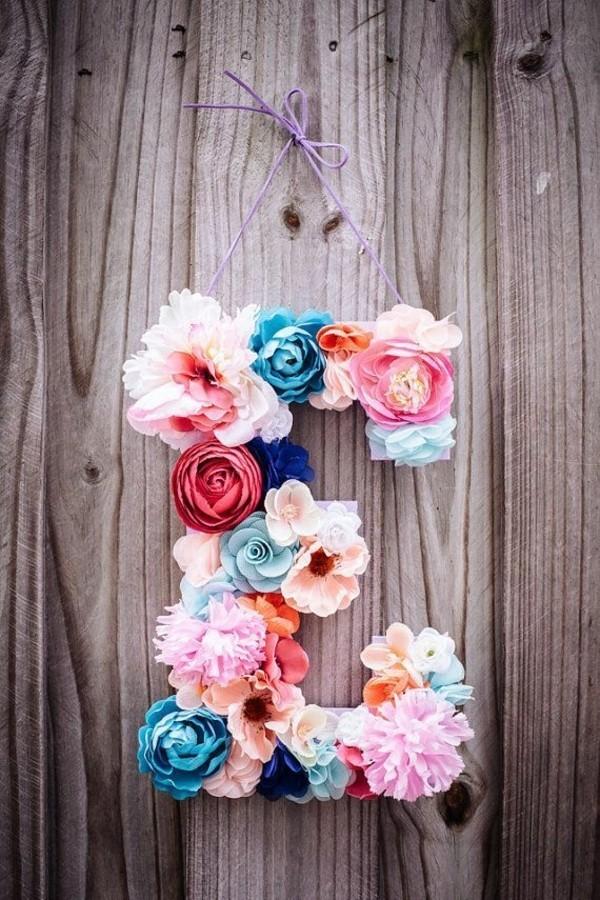 fleur-mur-décoration-en-fleurs-lettre-fleuré-déco-couleur-déco