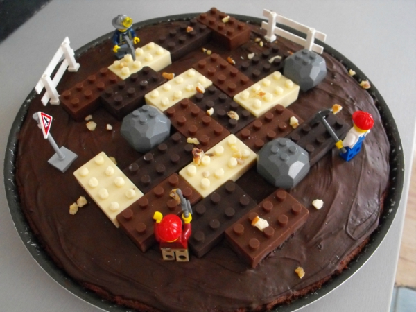 gâteau-lego-thème-original-lego-en-chocolat