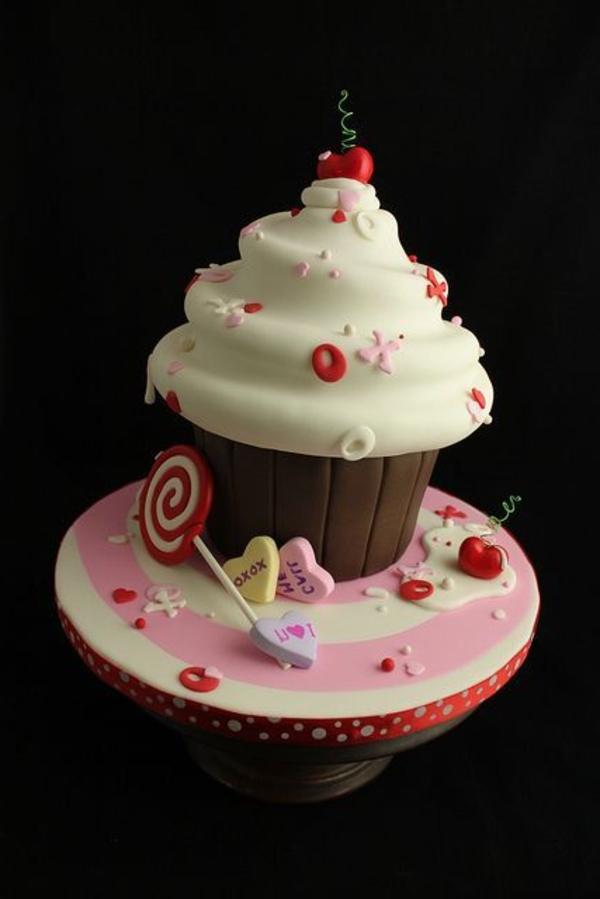 gateau-original-anniversaire-délicieux-cup-cake