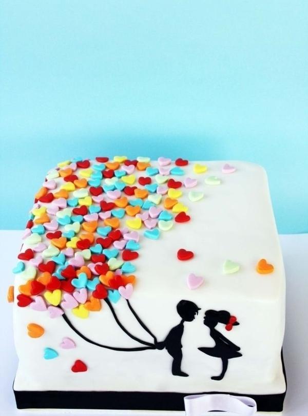 gateau-original-anniversaire-délicieux-pour-les-amoureux
