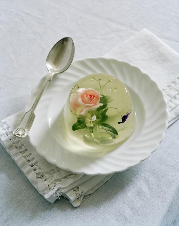 gelée-avec-des-fleurs-mangables