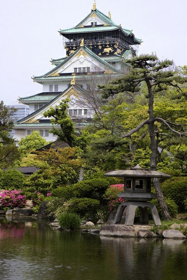 grande-maison-japonaise-lac