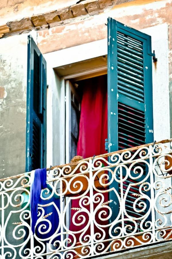 grecque-fenetre-maison