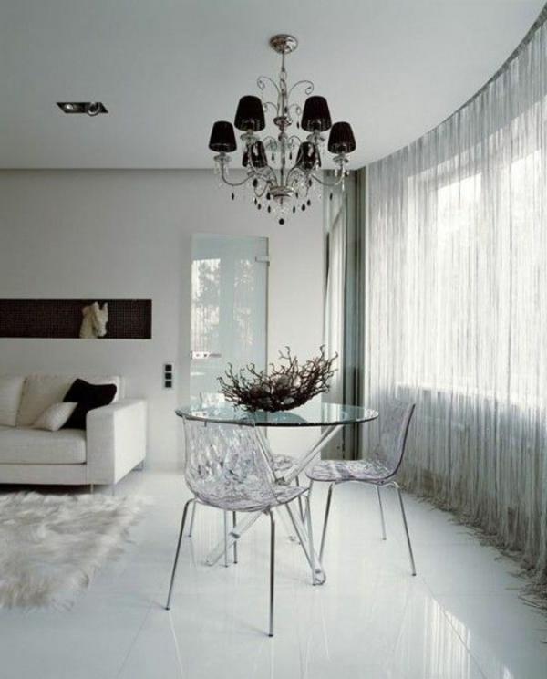 intérieur-contemporain-lustre-baroque-séjour-blanche-moderne