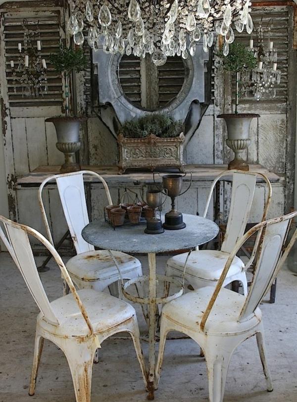 intérieur-contemporain-lustre-baroque-séjour-vintage