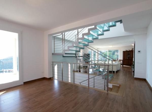 intérieur-verre-comment-ranger-decoration-sol
