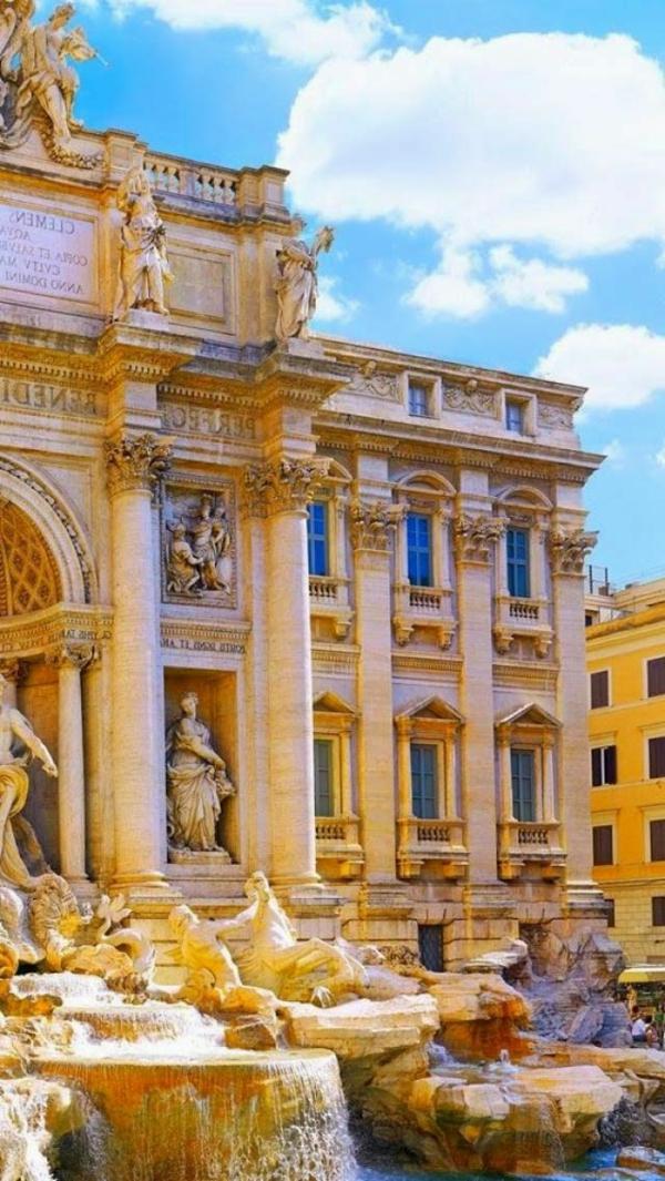 italie-fontaine-de-trevi