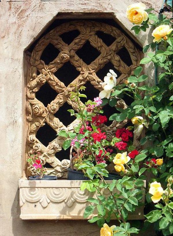 jardinière-avec-treillis-design-splendide-fenêtre-antique