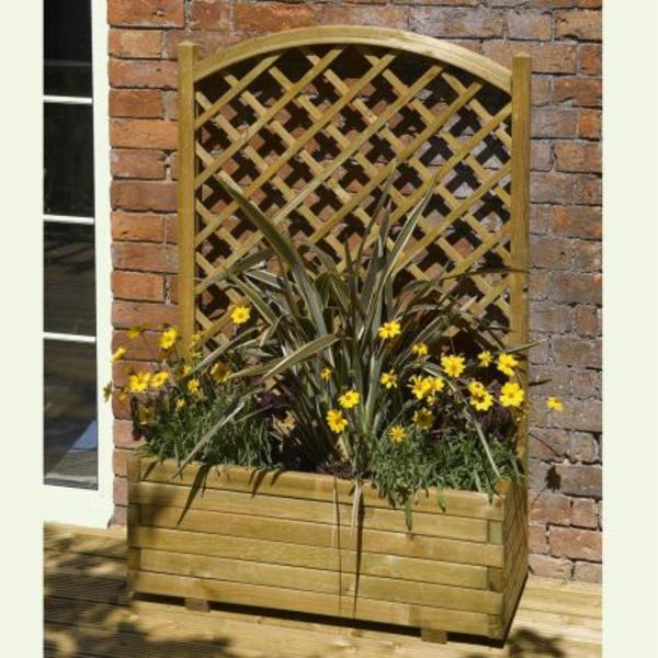 jardinière-avec-treillis-fleurs-jaunes