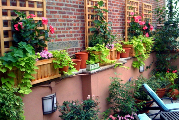Decoration jardiniere exterieure - Jardiniere avec treillis ...