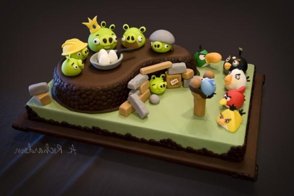 joli-gâteau-idée-originales-pour-mon-anniversaire-angry-birds-cake