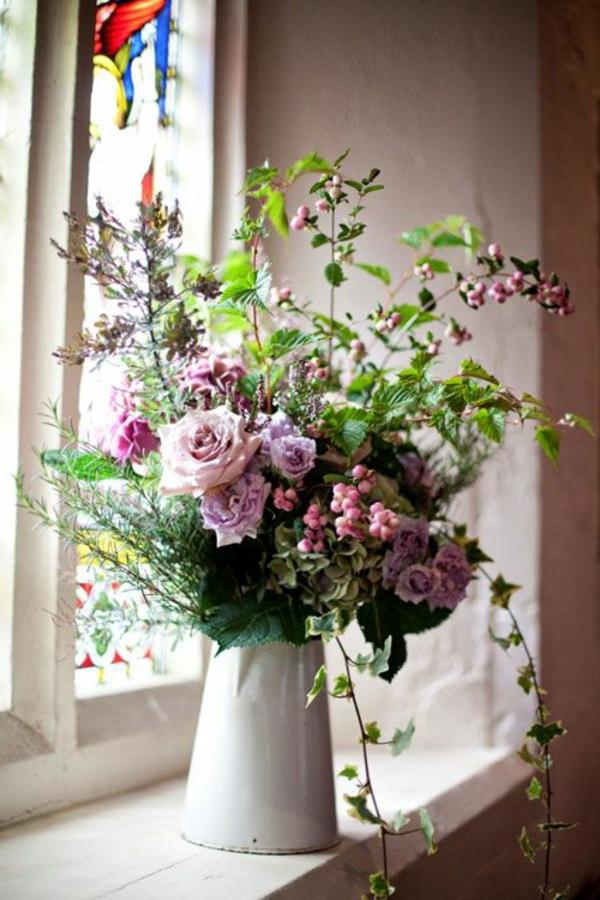 jolie-bouquet-dans-une-vase-rare