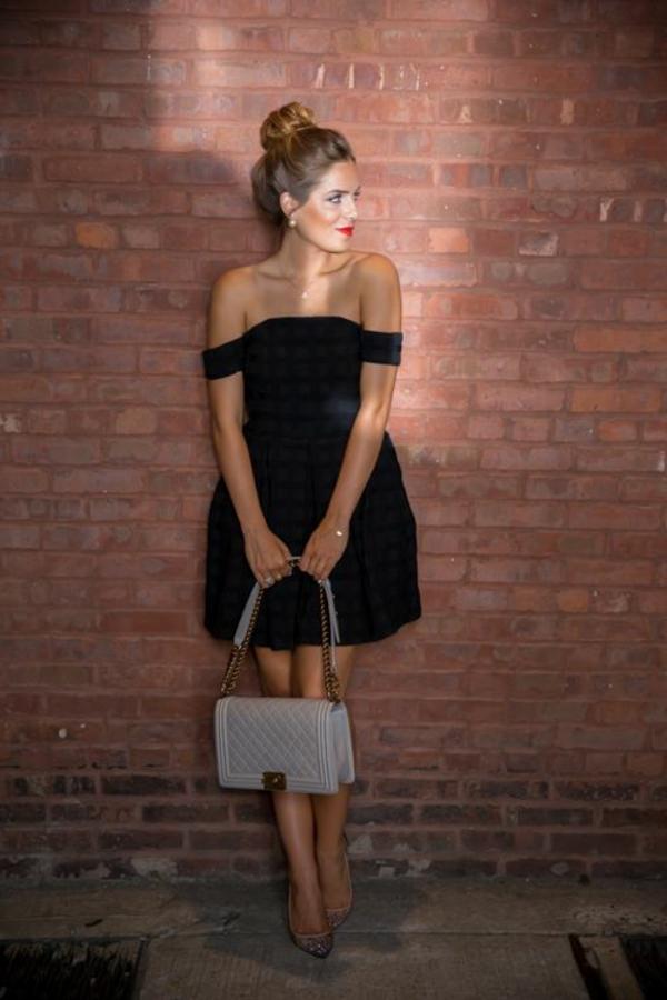 jolie-robe-noire-comment-la-porter-tenue-du-jour