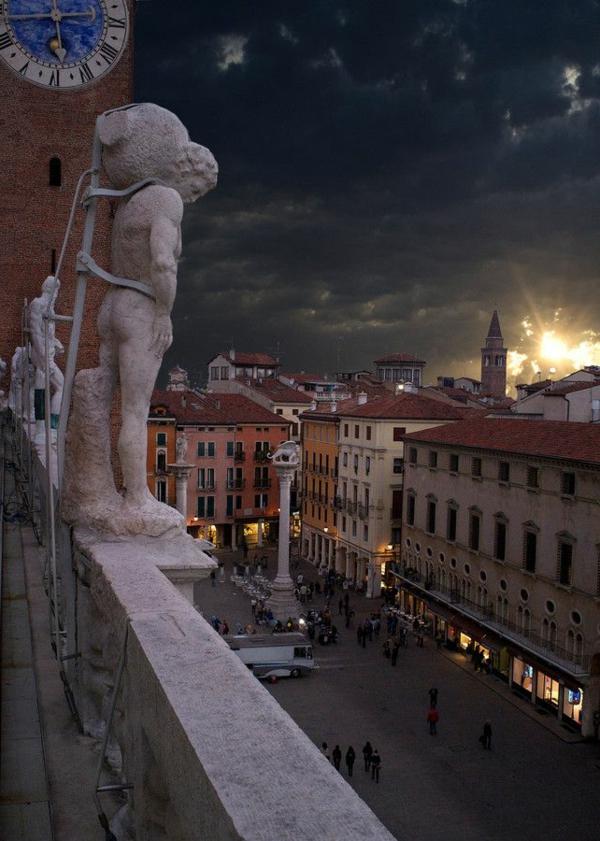 jolie-vue-de-la-Basilica-Palladiana-à-la-Piazza-de-Signori-Vicenza-Veneto-resized