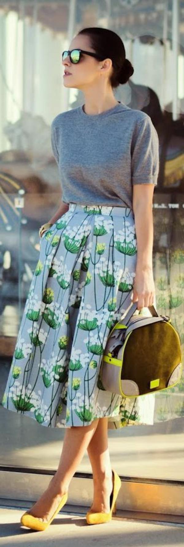 jupe-corolle-midi-longue-à-motifs-florales