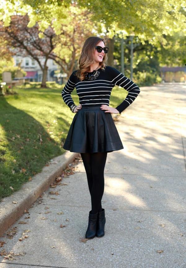 jupe-corolle-noire-et-courte