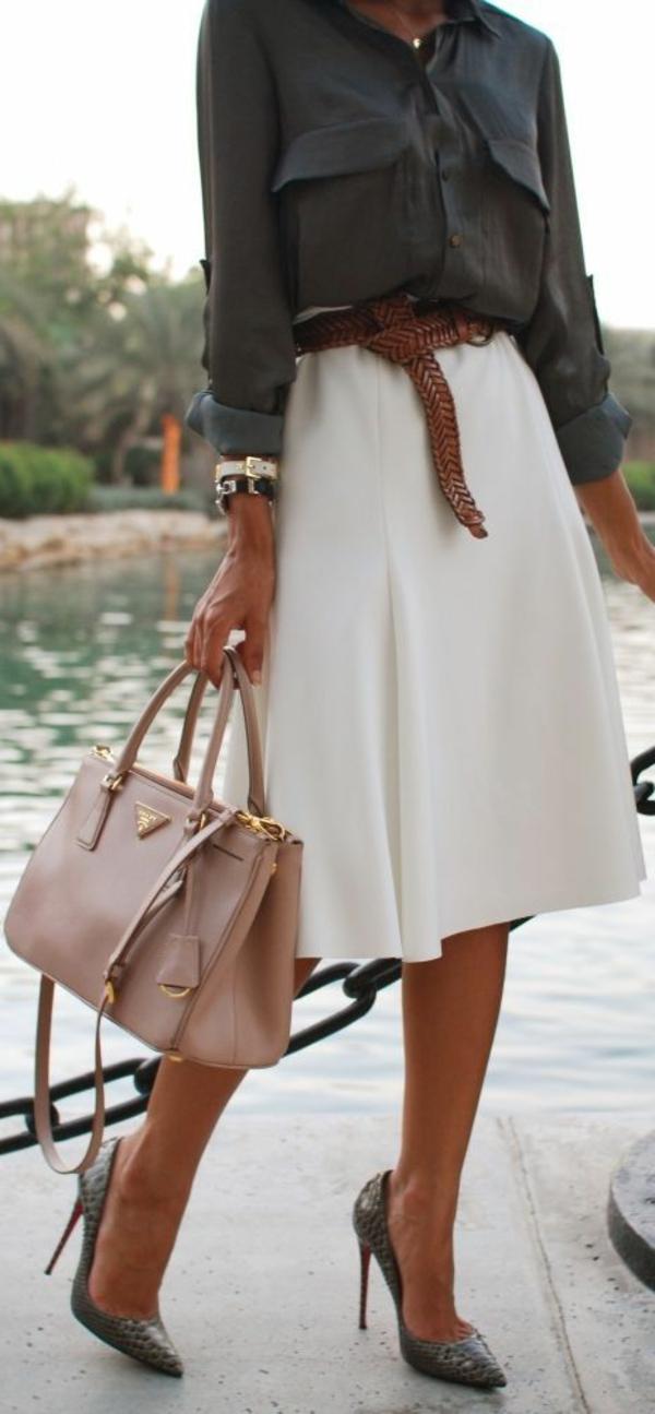 jupe-corolle-tenue-de-femme-stylée