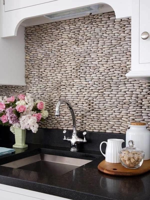 lа-pierre-de-parement-intérieur-mur-intérieur-vasque-cuisine-fleurs-pierres-naturelles