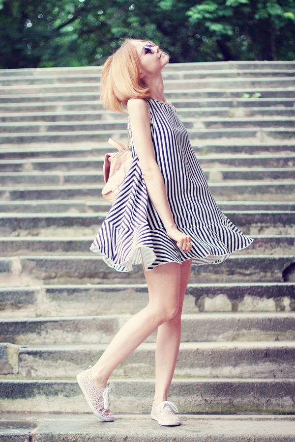 la-robe-trapèze-en-rayée-idéal-pour-l'été-le-soleil-tendance-2015