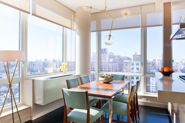 lampadaire-tripode-salle-de-déjeuner-contemporaine