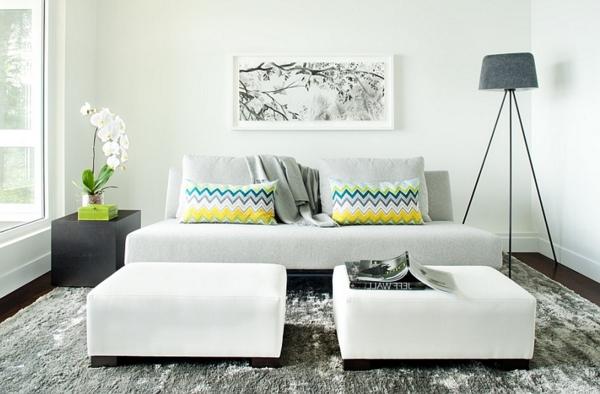 lampadaire-tripode-salle-de-séjour-en-couleurs-neutres
