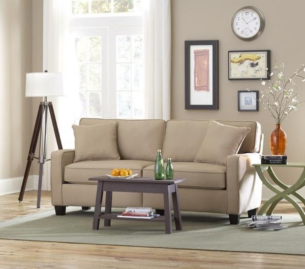 lampadaire-tripode-sofa-beige-et-deux-petites-tables