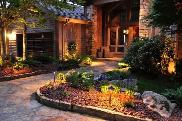 lampes-solaires-de-jardin-éclairage-pour-l'allée-de-jardin
