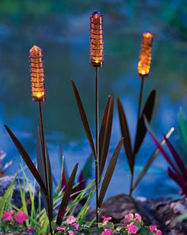 Les Lampes Solaires De Jardin Clairage Joli Et