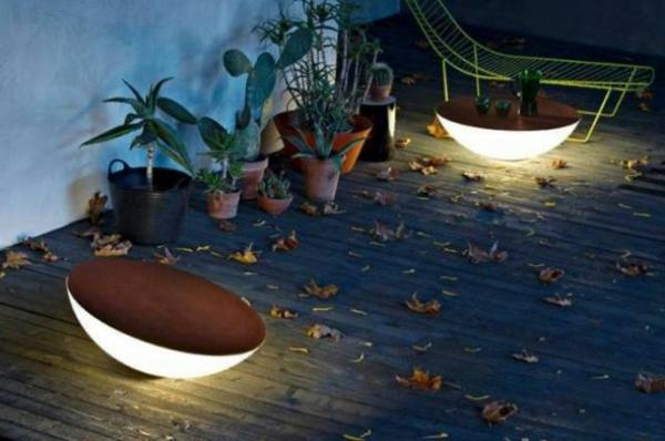 lampes-solaires-de-jardin-décoration-de-jardin-avec-éclairage-solaire