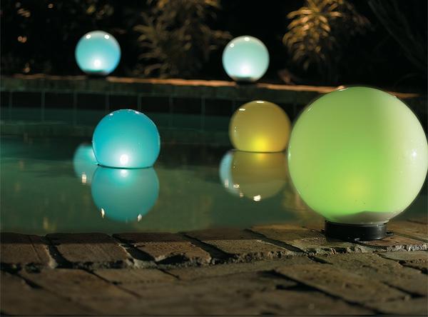lampes-solaires-de-jardin-globes-luiminants