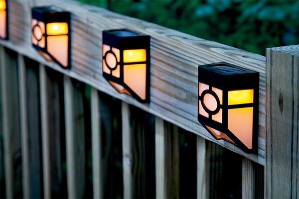 lampes-solaires-de-jardin-lampes-dur-la-clôture