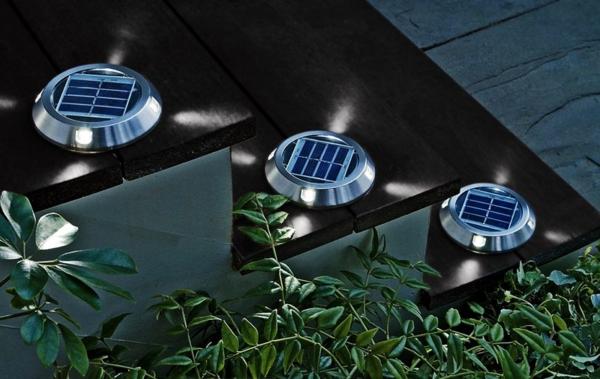 lampes-solaires-de-jardin-lampes-plates-pour-l'escalier