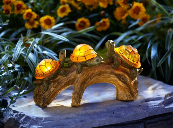 lampes-solaires-de-jardin-originales